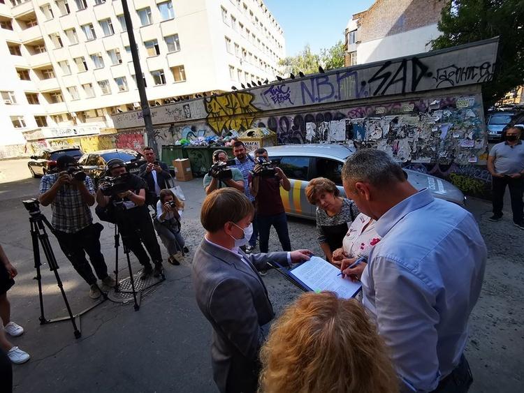 Висоту скандального будинку біля Софії Київської буде знижено на третину