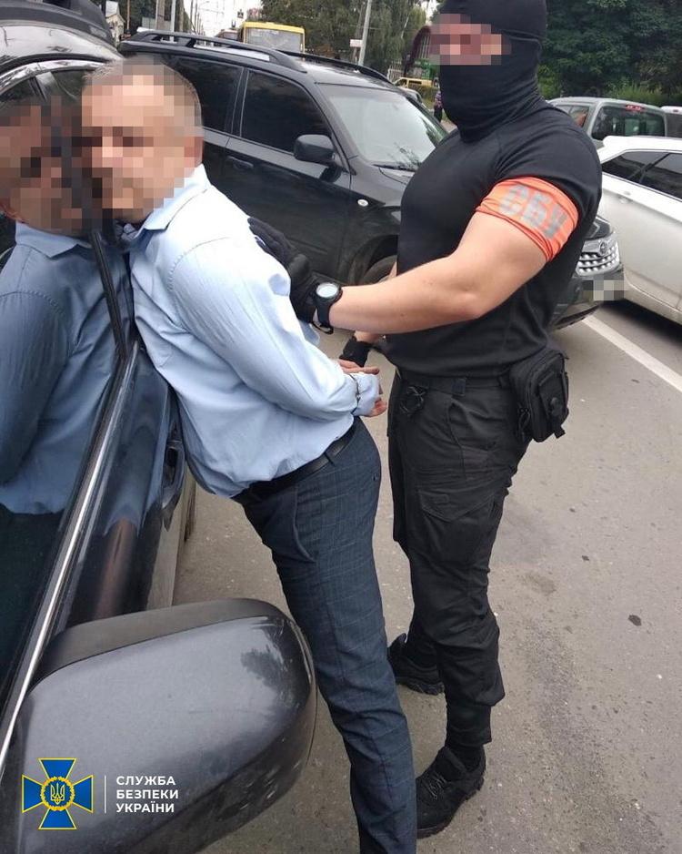 Начальника управління ДФС Тернопільської області затримали на хабарі у $37 тисяч  –  СБУ