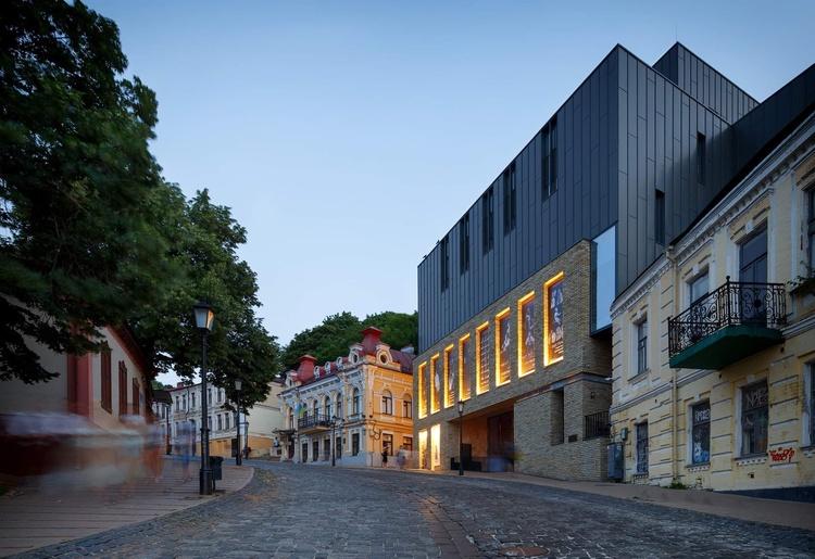 Театр на Подоле: 4 мифа о возведении здания на Андреевском спуске
